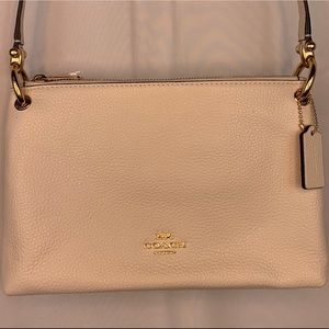 👜BRAND NEW COACH CROSSBODY PURSE!